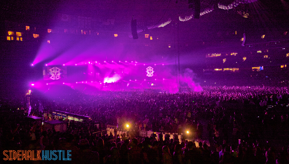 Swedish House Mafia One Last Tour Toronto Crowd Purple