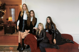 Haim and Stevie Nicks Perform Fleetwood Mac