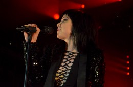 carly-rae-jepsen-irving-plaza-nyc-cover-7
