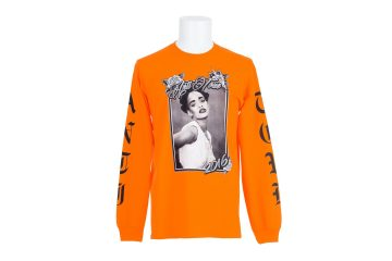 rihanna-anti-tour-merch-colette-paris-pop-up-9