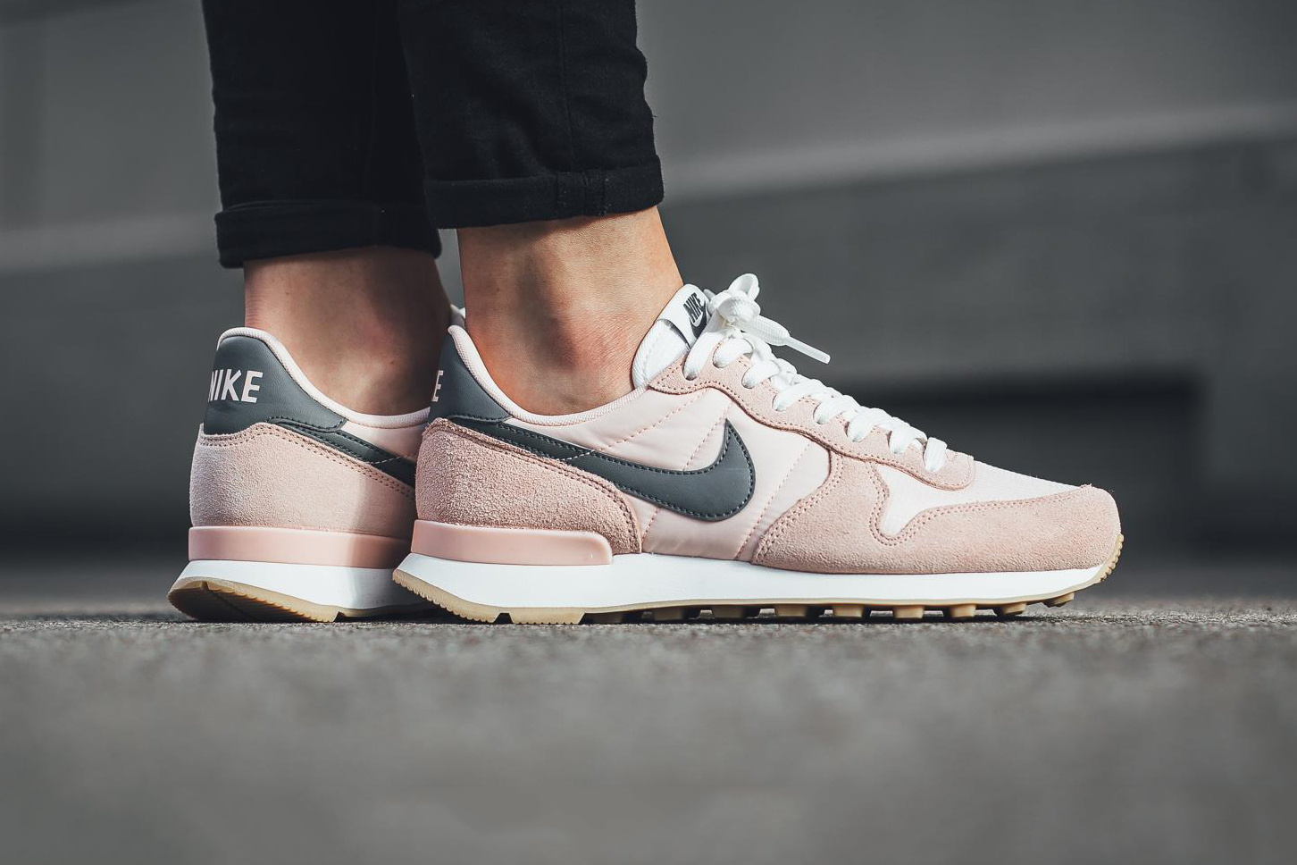 nike unveils internationalist in sunset tint cool grey. Black Bedroom Furniture Sets. Home Design Ideas